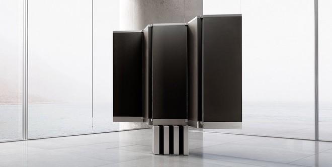 Cận cảnh siêu TV có thể gập nhiều lần như một chiếc quạt xếp khổng lồ - Ảnh 2.