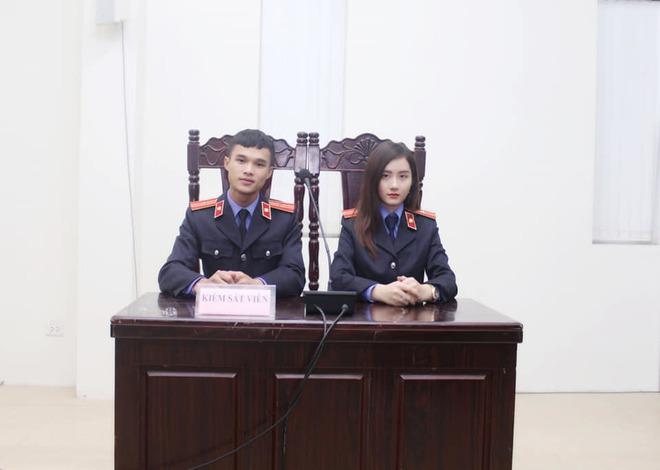 Nữ sinh 9X xinh đẹp ngồi ghế Kiểm sát viên khiến ai nấy trầm trồ vì thành tích 'khủng' - ảnh 1