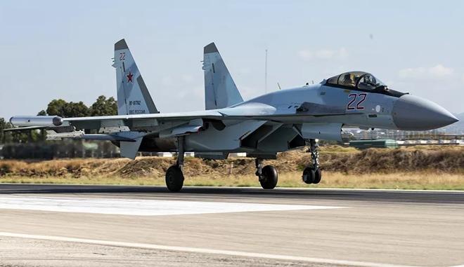 Syria rực lửa, Gấu Nga nổi trận lôi đình, chiến đấu cơ xuất kích ồ ạt - Tàu sân bay và B-52 Mỹ vào vị trí - Ảnh 1.