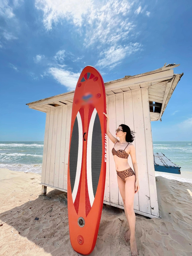 Lệ Quyên tung ảnh bikini nóng bỏng, để lộ chi tiết gây bàn tán - Ảnh 2.
