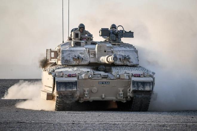 Nhìn Nga xóa sổ các đơn vị Ukraine chỉ vài phút, Anh lo sợ cũng sẽ bị đánh bại tương tự! - Ảnh 1.