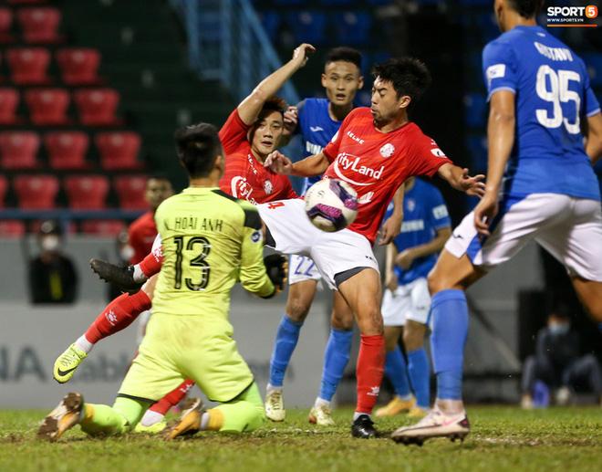 Lee Nguyễn bị CĐV cà khịa sau trận thua: Đã biết Than Quảng Ninh là đội nào chưa? - Ảnh 8.