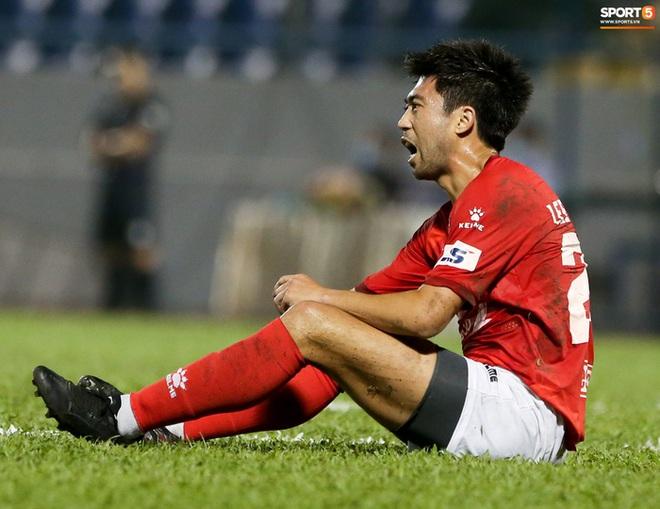 Lee Nguyễn bị CĐV cà khịa sau trận thua: Đã biết Than Quảng Ninh là đội nào chưa? - Ảnh 9.
