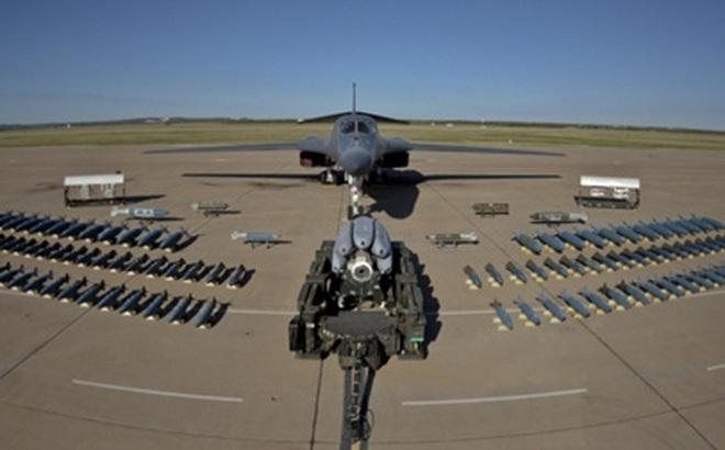 Vì sao Không quân Mỹ loại máy bay ném bom chiến lược B-1B?