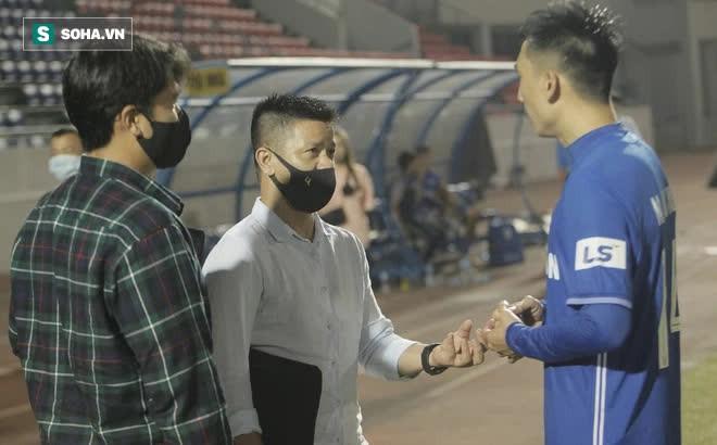 """Ghi bàn """"kết liễu"""" CLB của Lee Nguyễn, tiền vệ V.League nhận tin vui từ trợ lý thầy Park"""