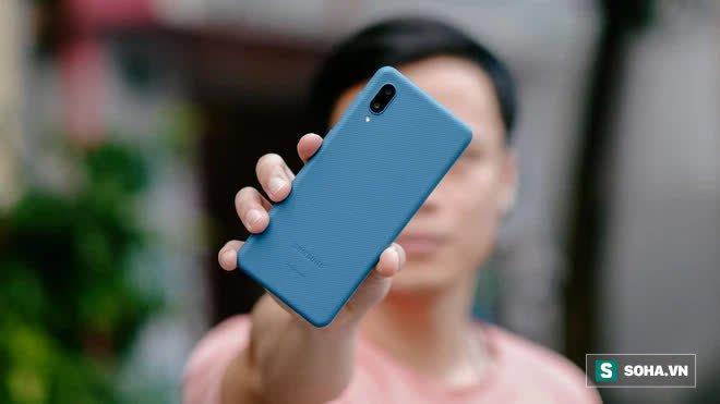 Trải nghiệm Galaxy A02: 2 triệu đồng cho 1 chiếc smartphone nổi trội về pin - Ảnh 1.