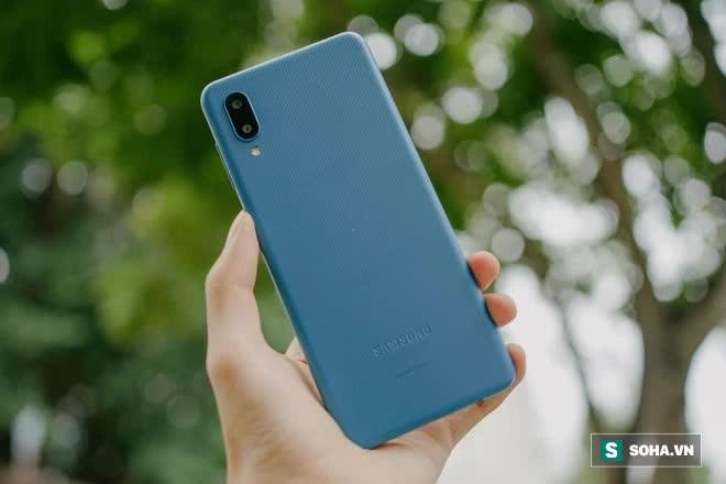 Trải nghiệm Galaxy A02: 2 triệu đồng cho 1 chiếc smartphone nổi trội về pin - Ảnh 2.