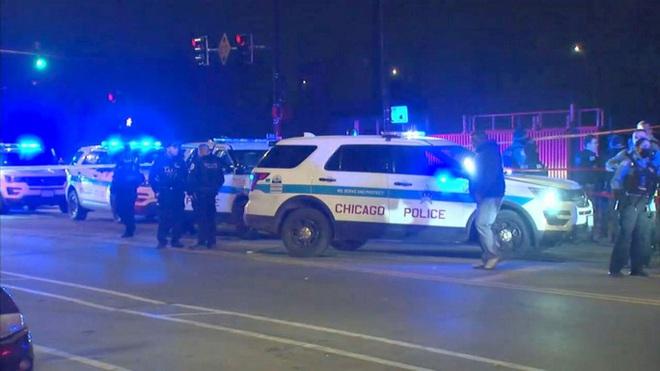 Mỹ: Xả súng giữa bữa tiệc, 15 người thương vong - Ảnh 1.