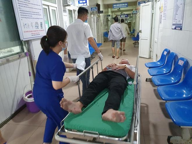 Vụ tai nạn xe khách đi lễ đền khiến 2 người tử vong: Tạm giữ hình sự tài xế, lộ nguyên nhân ban đầu - Ảnh 2.