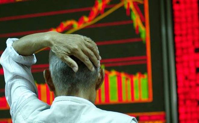 'Lướt sóng' thất bại, nhà đầu tư Trung Quốc nháo nhào thanh lý báu vật gia truyền, nhẫn đính hôn để bù lỗ