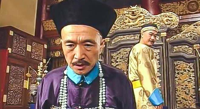 Bị Càn Long ép nhảy sông, Tể tướng Lưu gù chỉ đáp lại 1 lời đã khiến Hoàng đế bội phục, ung dung vượt qua cửa tử - Ảnh 1.