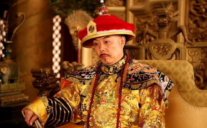 Bị Càn Long ép nhảy sông, Tể tướng Lưu gù chỉ đáp lại 1 lời đã khiến Hoàng đế bội phục, ung dung vượt qua cửa tử - Ảnh 3.