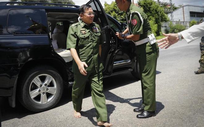 """Myanmar: Từ lời đáp trả gây sốc cho tới nỗi sợ """"không nói thành lời"""" của Thống tướng Min Aung Hlaing"""