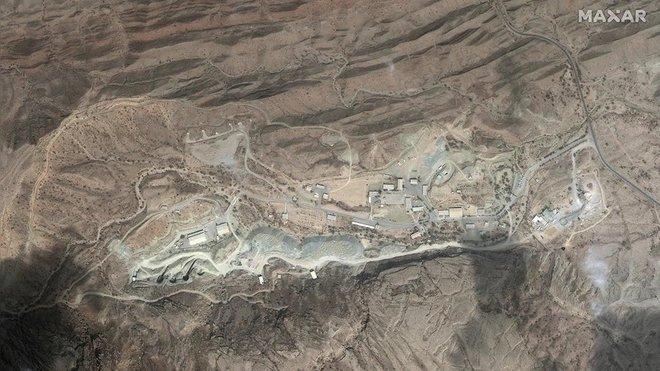Ảnh vệ tinh chụp được gì ở Iran mà khiến Israel và 13.500 lính Mỹ lạnh gáy? - Ảnh 2.
