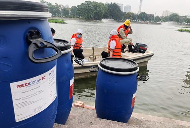 Con trai ông Nguyễn Đức Chung liên quan gì đến công ty cung cấp chế phẩm Redoxy-3C cho Hà Nội? - Ảnh 2.