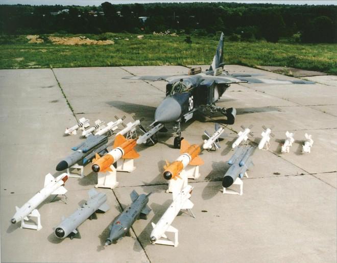 Việt Nam gửi yêu cầu đặc biệt cho Liên Xô: Chúng tôi cần ngay tiêm kích hiện đại - MiG-23 được chọn - Ảnh 6.