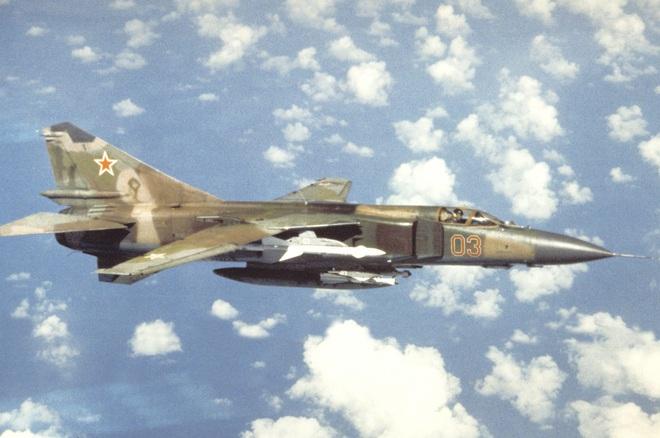 Việt Nam gửi yêu cầu đặc biệt cho Liên Xô: Chúng tôi cần ngay tiêm kích hiện đại - MiG-23 được chọn - Ảnh 4.