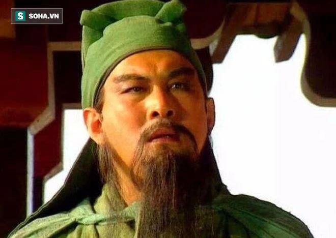 Quan Vũ thua trận phải tháo chạy về Mạch Thành, đi qua đất phong của Mã Siêu, tại sao Mã Siêu lại không ra tay cứu giúp? - Ảnh 2.
