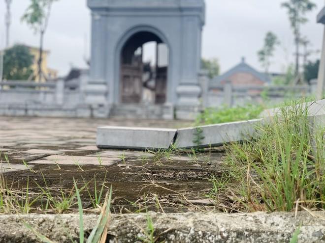 Công trình Văn Miếu gần 80 tỉ ở Hà Tĩnh xây xong không có đường vào - Ảnh 14.
