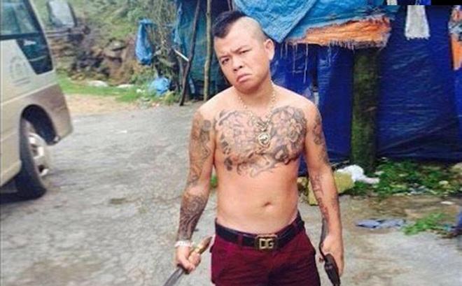 """Hai thanh niên Hà Nội nổ súng bắn vào ô tô của """"thánh chửi"""" Dương Minh Tuyền lĩnh 69 tháng tù"""
