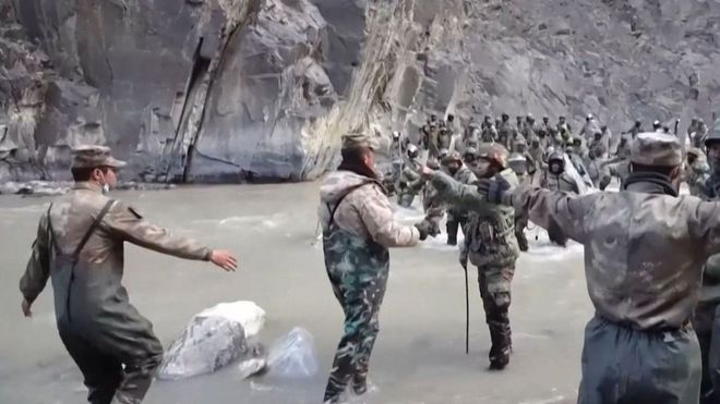 Thủ phủ sầm uất chìm trong bóng tối giữa tranh chấp biên giới: TQ sẽ khiến Ấn Độ tắt điện? - Ảnh 1.