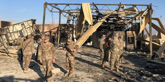 Tên lửa Iran nã xuống căn cứ: Lính Mỹ sợ hãi tháo chạy, ai ở lại cầm chắc cái chết - Ảnh 2.