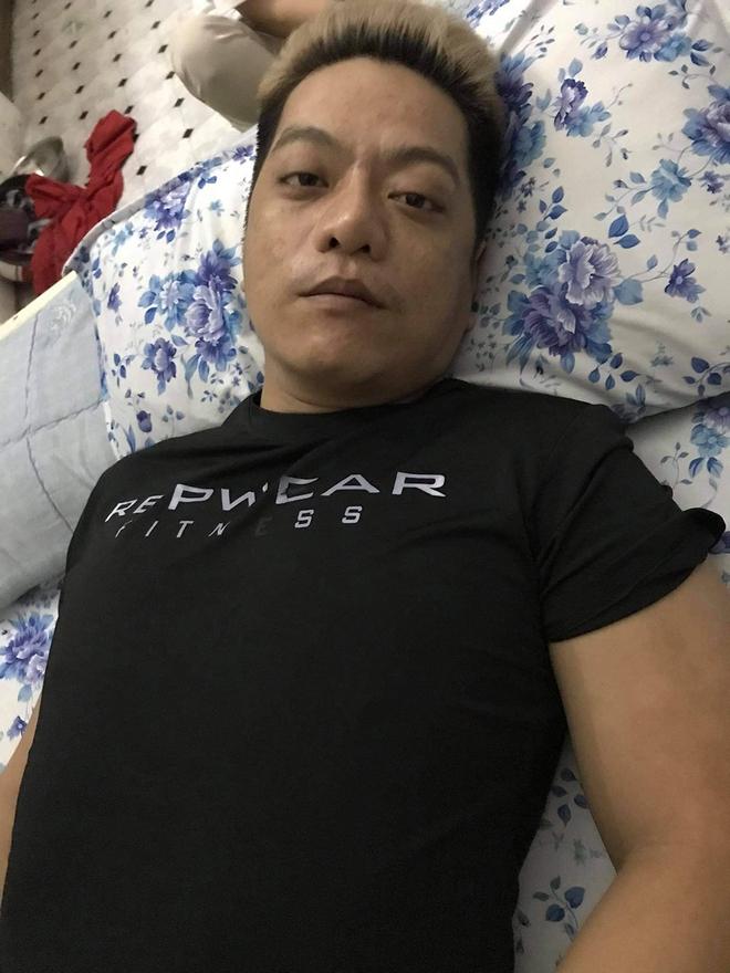 Ca sĩ Lâm Onbi tiều tụy vì ung thư não, khiến em gái Việt Hương xót xa - Ảnh 1.