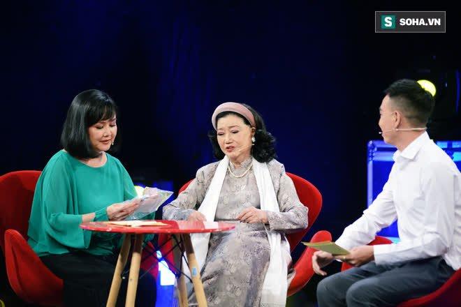 NSND Kim Cương tìm thấy con gái nuôi sau gần 50 năm thất lạc: Con chạy lên sân khấu, tôi bảo đừng khóc nhưng không nhận ra con… - Ảnh 7.