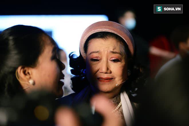 NSND Kim Cương tìm thấy con gái nuôi sau gần 50 năm thất lạc: Con chạy lên sân khấu, tôi bảo đừng khóc nhưng không nhận ra con… - Ảnh 4.