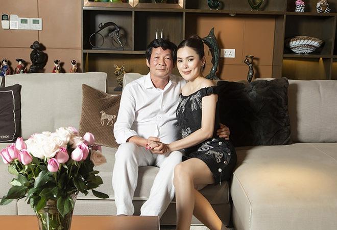 Hoa hậu Việt được tặng 6 tỷ vì giảm 6kg: Chơi hàng hiệu khét tiếng, quỳ gối rửa chân cho chồng - Ảnh 5.