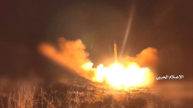 Hàng chục lính bắn tỉa Nga hành động xuất quỷ nhập thần ở Ukraine, châm ngòi thùng thuốc súng Donbass? - Ảnh 6.