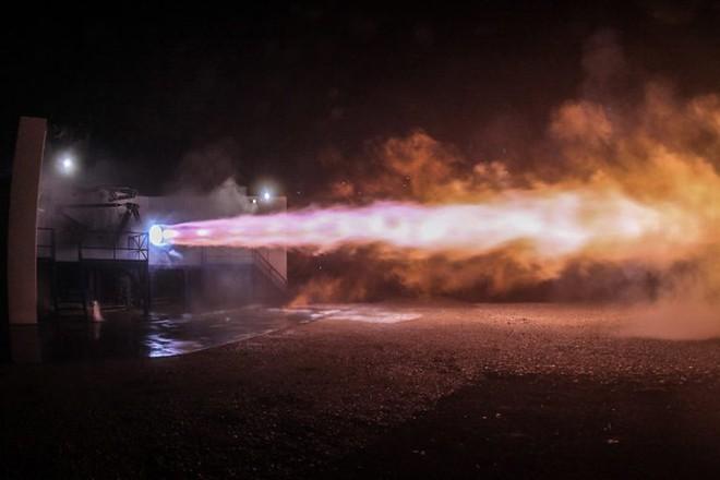 Động cơ khét tiếng của siêu xe Bugatti Chiron cũng chẳng là gì khi so với động cơ tên lửa đẩy quái vật này - Ảnh 12.