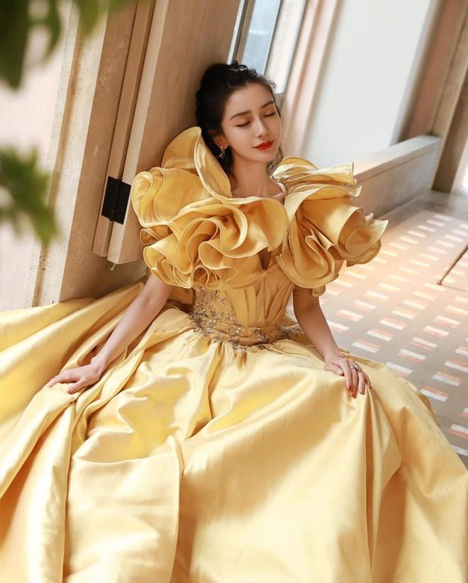 Angelababy phớt lờ Huỳnh Hiểu Minh, vợ chồng như hai người xa lạ - Ảnh 12.