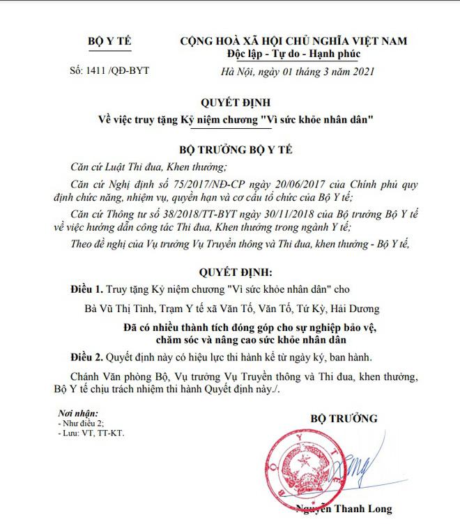 Truy tặng Kỷ niệm chương Vì sức khỏe nhân dân cho chị Vũ Thị Tình - Ảnh 1.