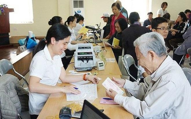 Đề xuất tăng lương hưu, trợ cấp 15% từ ngày 1-1-2022 - Ảnh 1.