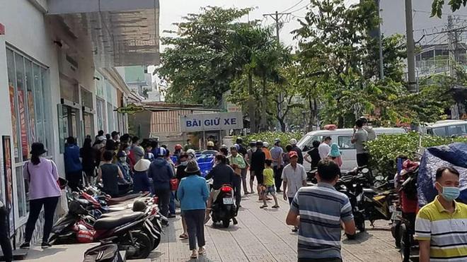 2 thiếu nữ rơi từ tầng thượng chung cư ở Sài Gòn: Có quan hệ tình cảm, từng có ý định tự tử - Ảnh 1.