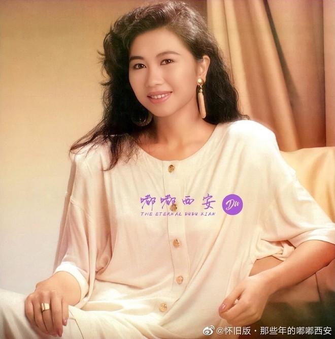 Hoa hậu Hong Kong 3 đời chồng, làm chủ tập đoàn trang sức lớn, tuổi U60 ra sao? - Ảnh 4.