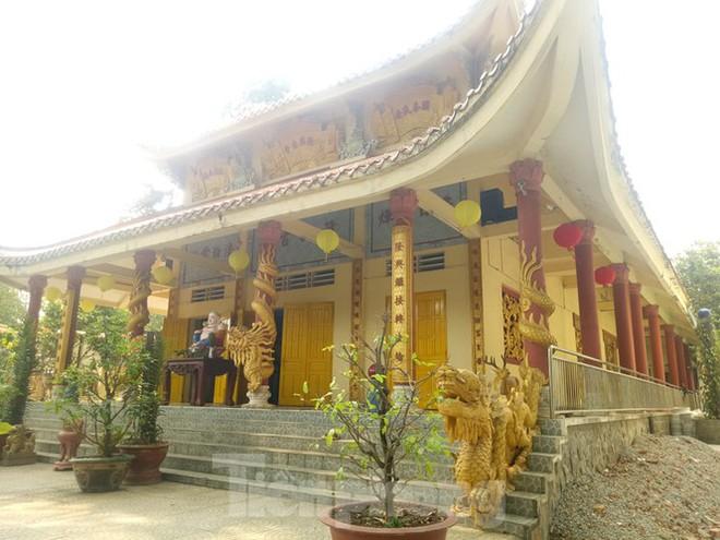 Bí ẩn ngôi chùa tưởng nhớ vị thiền sư chịu hàng ngàn con đỉa hút máu giúp dân canh tác - Ảnh 2.