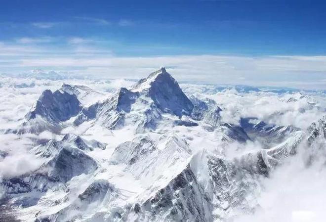 Tại sao tỷ lệ tử vong khi leo đỉnh núi cao thứ hai thế giới Chogori cao hơn nhiều so với Everest? - Ảnh 3.