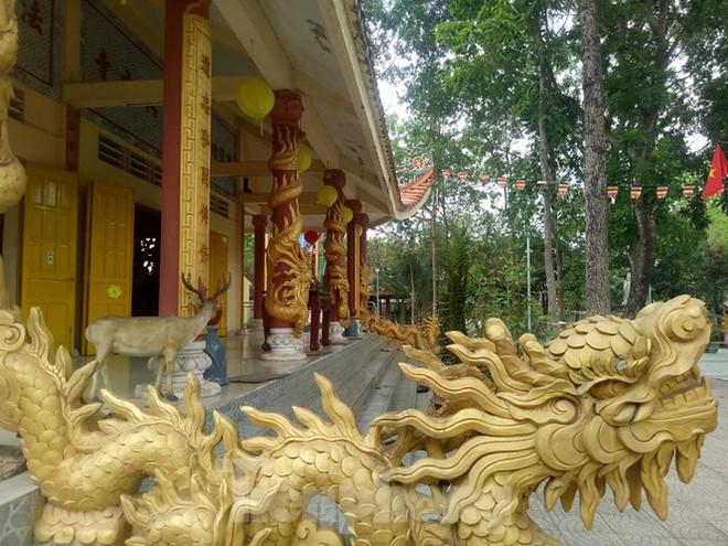 Bí ẩn ngôi chùa tưởng nhớ vị thiền sư chịu hàng ngàn con đỉa hút máu giúp dân canh tác - Ảnh 10.