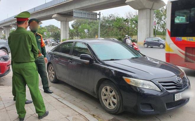 Vụ tài xế ngủ trên camry xưng quân nhân tát CSGT: Chuyển hồ sơ sang quân đội xử lý