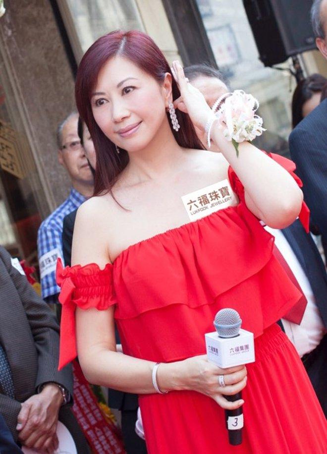 Hoa hậu Hong Kong 3 đời chồng, làm chủ tập đoàn trang sức lớn, tuổi U60 ra sao? - Ảnh 5.