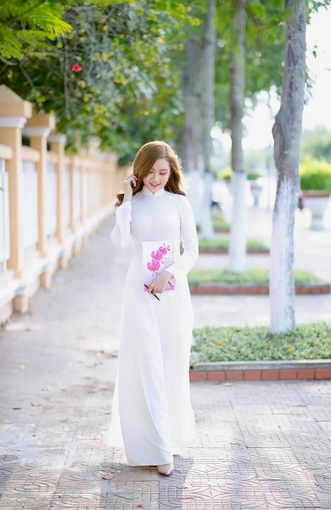 """Nữ thủ khoa ĐH Kiểm sát Hà Nội khoe nhan sắc đỉnh cao cùng bảng thành tích """"khủng"""" - Ảnh 5."""