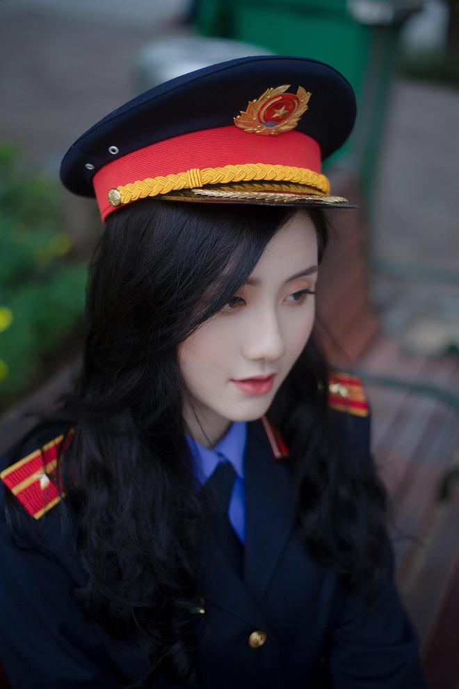 """Nữ thủ khoa ĐH Kiểm sát Hà Nội khoe nhan sắc đỉnh cao cùng bảng thành tích """"khủng"""" - Ảnh 3."""