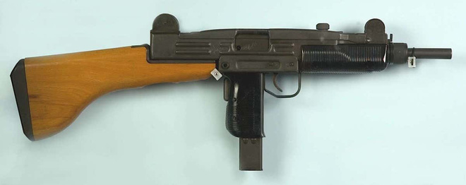 Uy lực khẩu súng tiểu liên 70 năm tuổi nổi tiếng nhất trên thế giới - Ảnh 2.