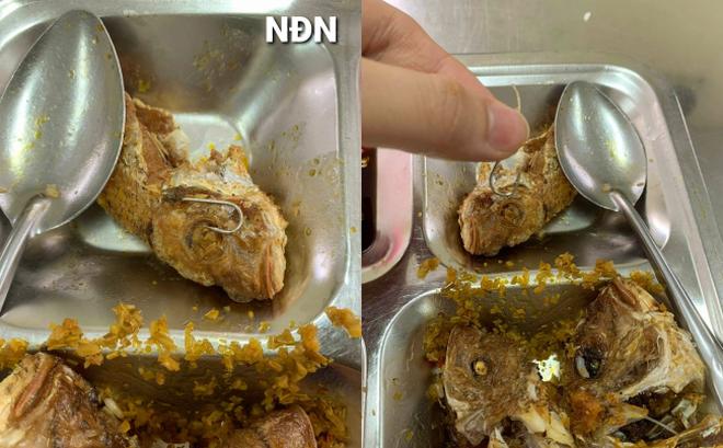 Đang ăn cơm trưa, hàng loạt công nhân thất kinh vì vật thể lạ sắc nhọn xuất hiện trong đĩa cá rán