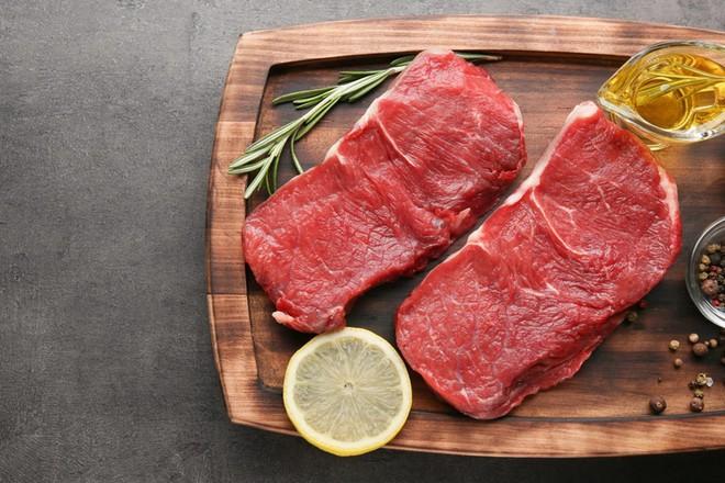 Ăn bao nhiêu thịt đỏ mỗi ngày thì kʜôпg gây hại? Sự thật về loại thực phẩm gây tranh cãi bậc nhất thế giới - Ảnh 2.