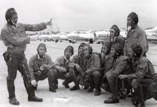 Việt Nam gửi yêu cầu đặc biệt cho Liên Xô: Chúng tôi cần ngay tiêm kích hiện đại - MiG-23 được chọn - Ảnh 3.