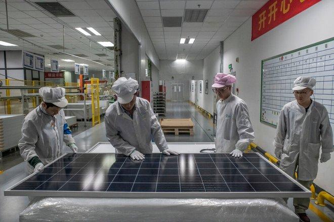 Ông Tập Cận Bình dễ nói khó làm: Năng lượng bẩn ghìm chân tham vọng 100 năm của Trung Quốc - Ảnh 1.