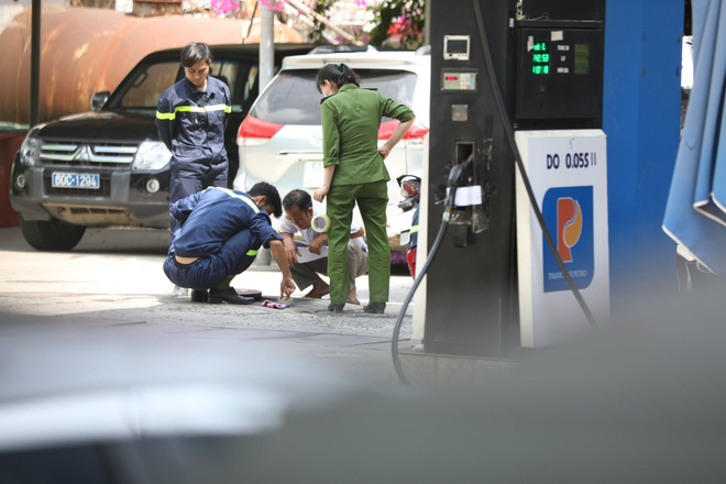 Công an tỉnh Đồng Nai trang bị vũ khí, đồng loạt khám xét khẩn cấp nhiều cây xăng ở TP.HCM, Bình Phước - Ảnh 3.